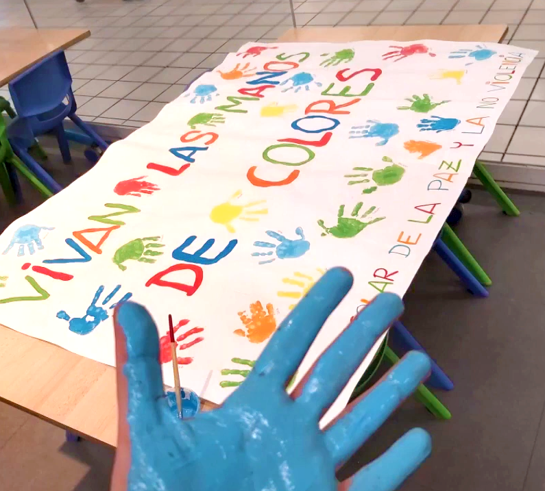 Vivan las manos de colores